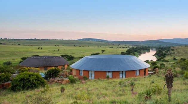 dundee accommodation, rorke's drift hotel, bar, restaurant, kwazulu-natal accommodation, swimming pool, rorke's drift accommodation, farm, dam